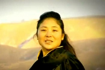 Hortsang Lhalung Tso, a young female Tibetan singer from Sangchu county of Amdho region, eastern Tibet. Photo: File