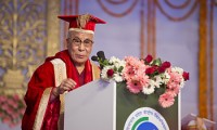 His Holiness the Dalai Lama making a point during the Convocation Address of the Central University of Himachal Pradesh in Shahpur, HP, India on 28 February 2013. Photo/Tenzin Choejor/OHHDL