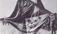 Tibetan troops flying Tibetan national flag, in Lhasa, Tibet, in 1936. Photo: The Tibet Album