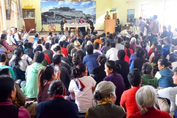 Tibetans in Dharamshala felicitate Dolma Gyari, Home Minister. Photo: Outlook Tibet